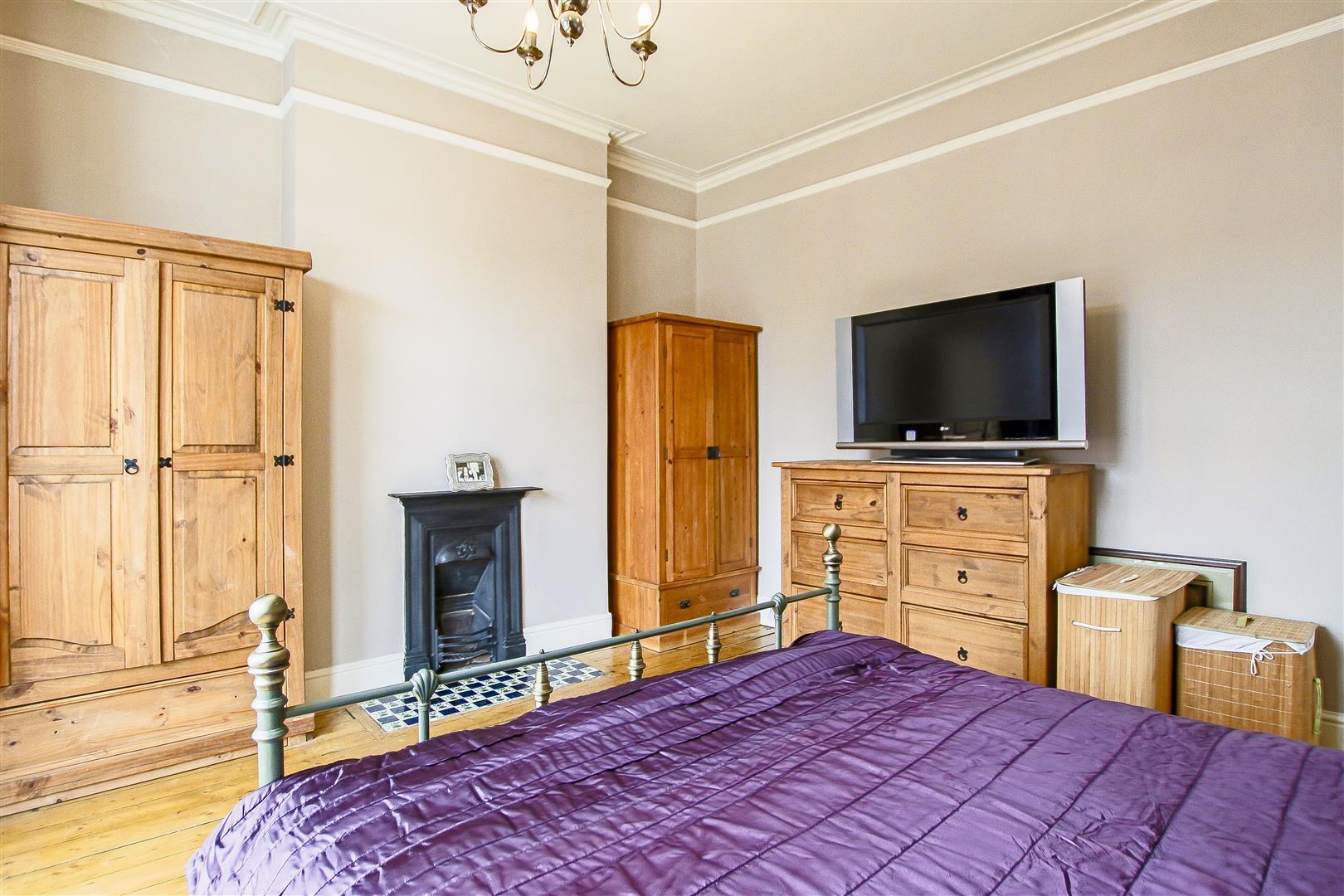 4 Bedroom Semi-detached House For Sale - 45.jpg